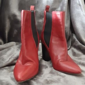 Vince Camuto boots red size 7
